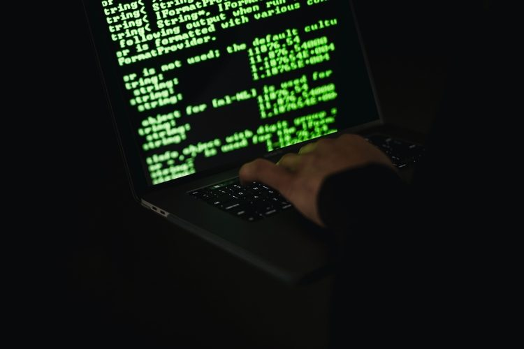 Don't Fall Victim to Internet Fraud - 10 Tips for Safer Surfing